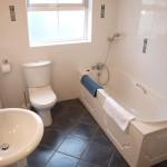 Bathroom - 8 Gables Self Catering Accommodation, Sligo